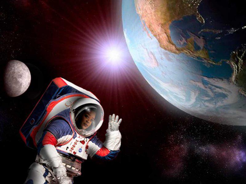Astronauta acenando do espaço
