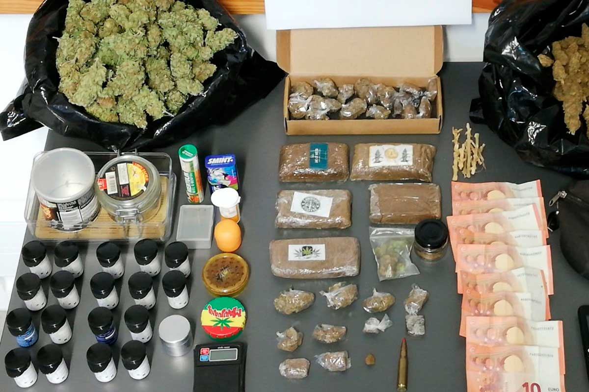 Drogas, dinheiro e munição